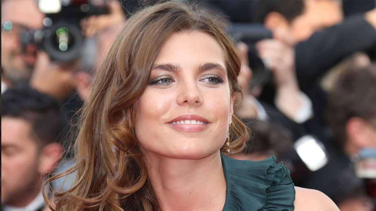 Charlotte Casiraghi répond cash aux rumeurs odieuses qui la disent briseuse de ménage