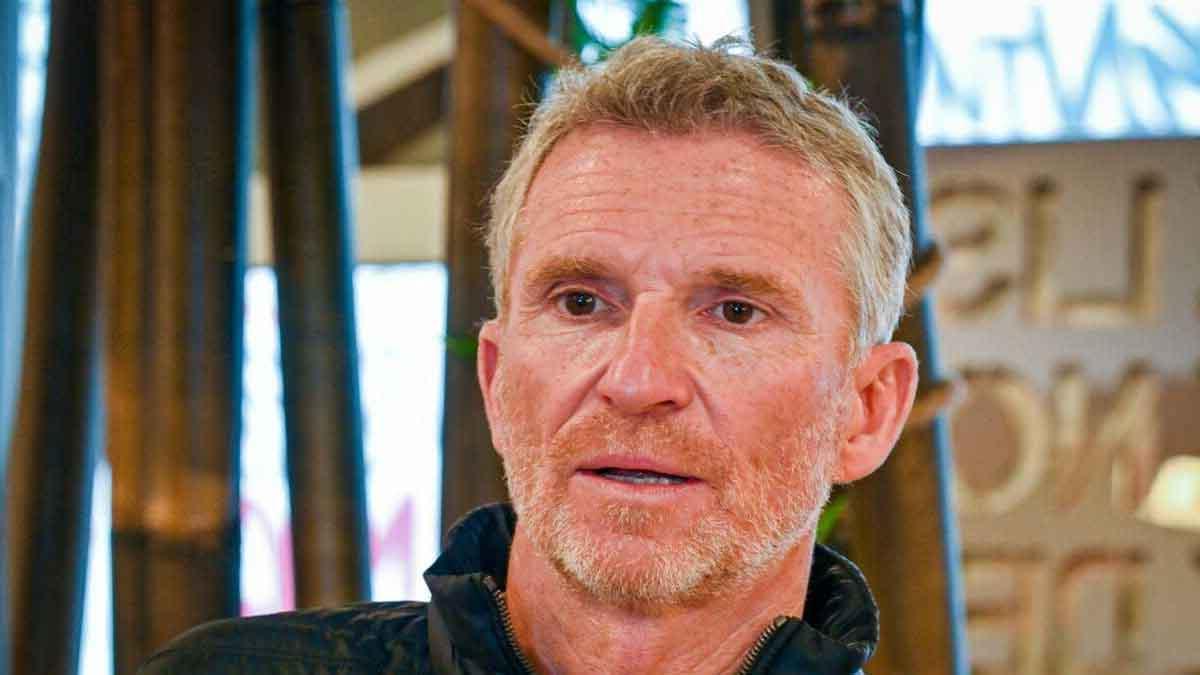 .Koh-Lanta : Denis Brogniart touché par ce geste des enfants en difficultés