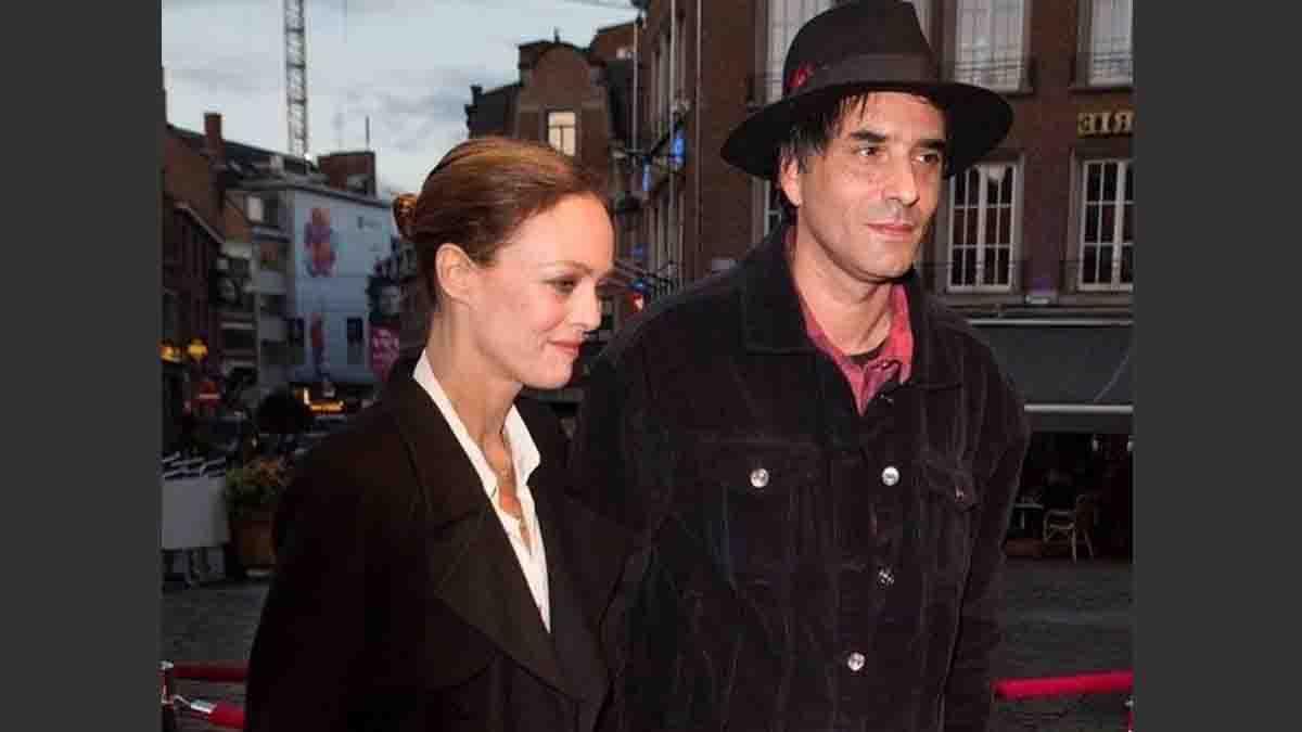 Découvrez pourquoi Vanessa Paradis et Samuel Benchétrit ne se sont pas toujours réinstallés ensemble !
