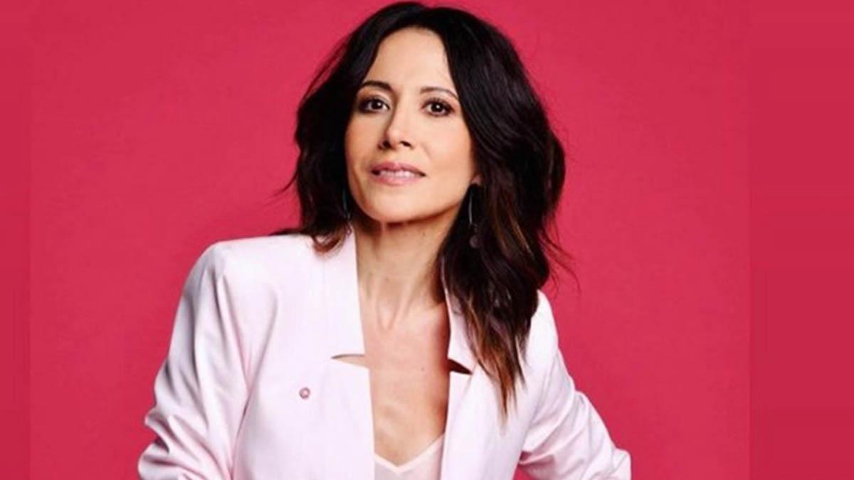 Fabienne Carat enceinte : cette décision radicale de la star éblouit ses fans