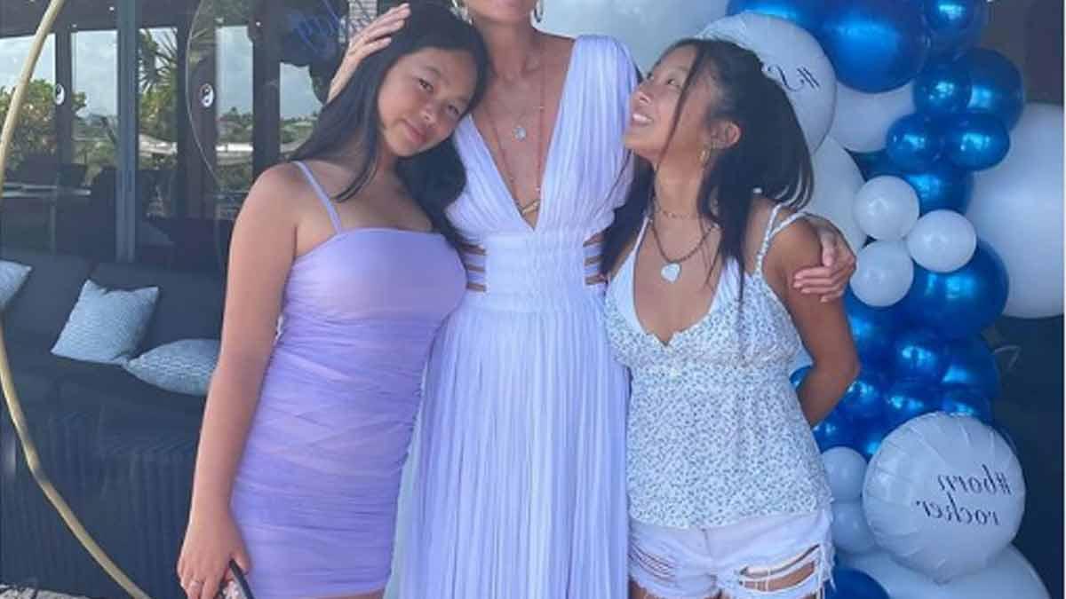 Jade et Joy Hallyday se déhanchent sans gêne en bikini à cette méga fête