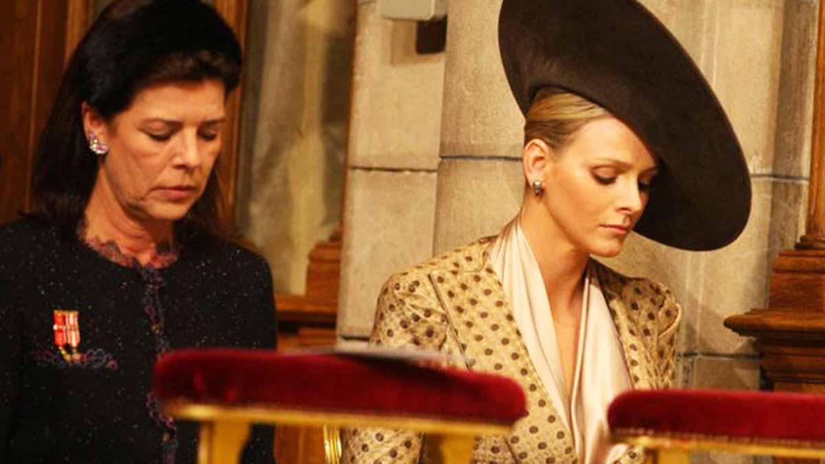 Caroline de Monaco elle se fait des cheveux blancs pour sa belle-sœur Charlène