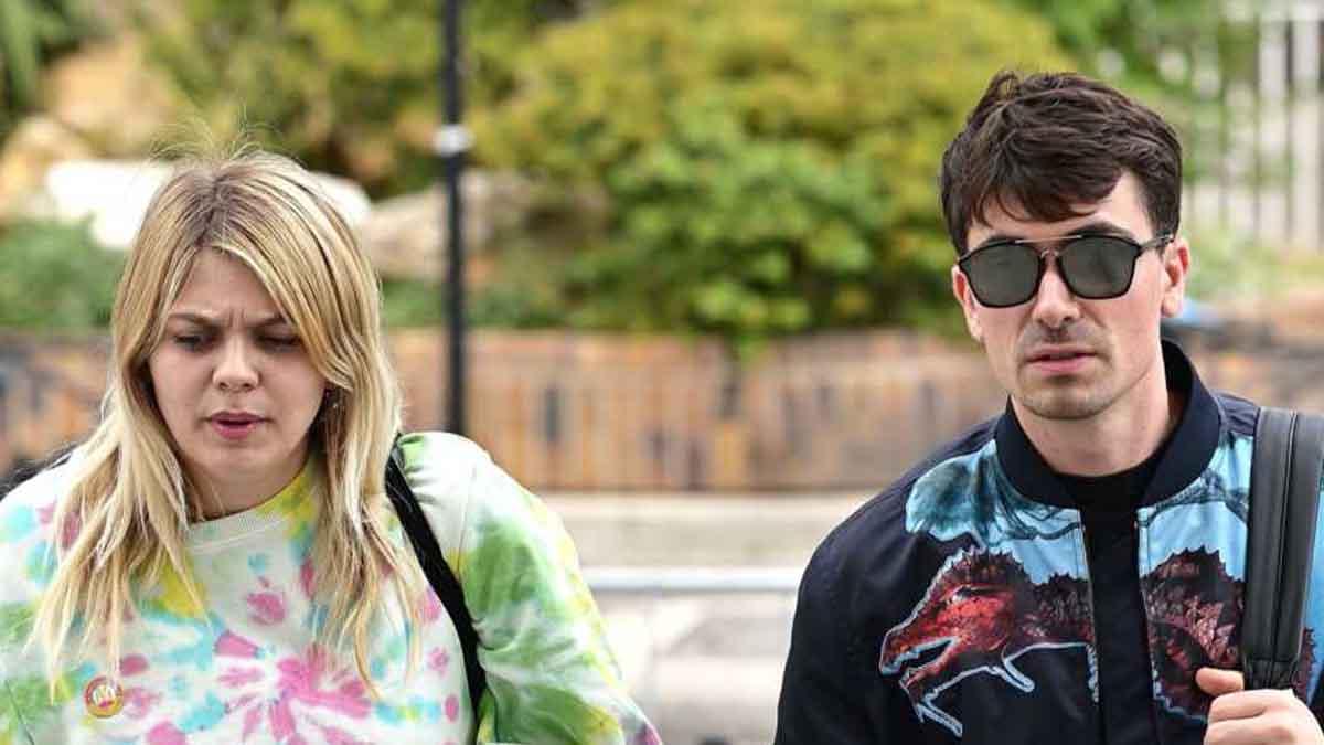 Louane et Florian Rossi, vacances sous tension à Saint-Tropez, crise en public.